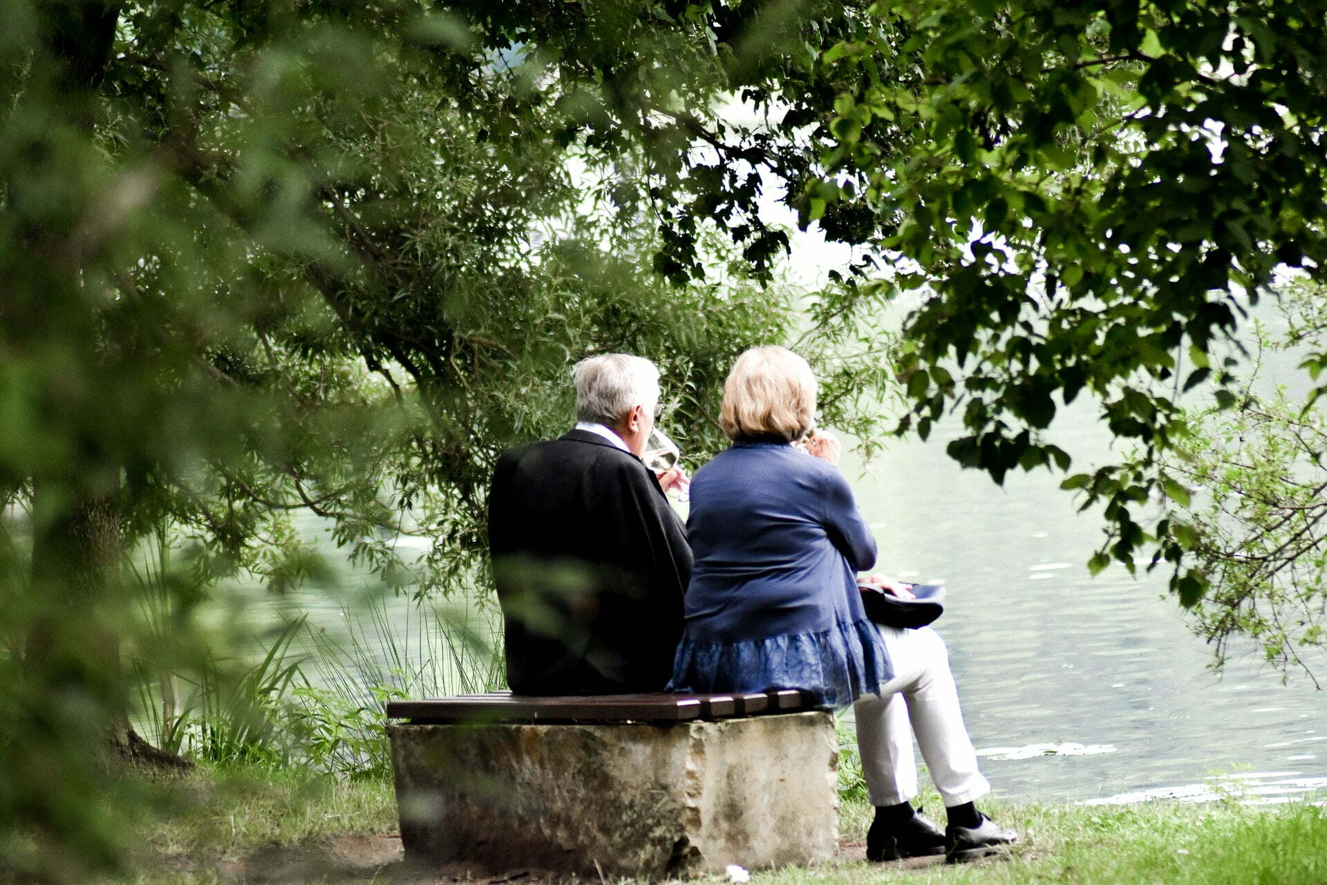 couple starting at lake considering an estate planning consultation with weaver bennett and bland.